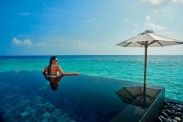 halaveli-maldives-piscina-privativa